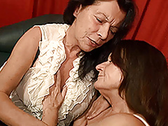 Two German grannies get naughty in bed